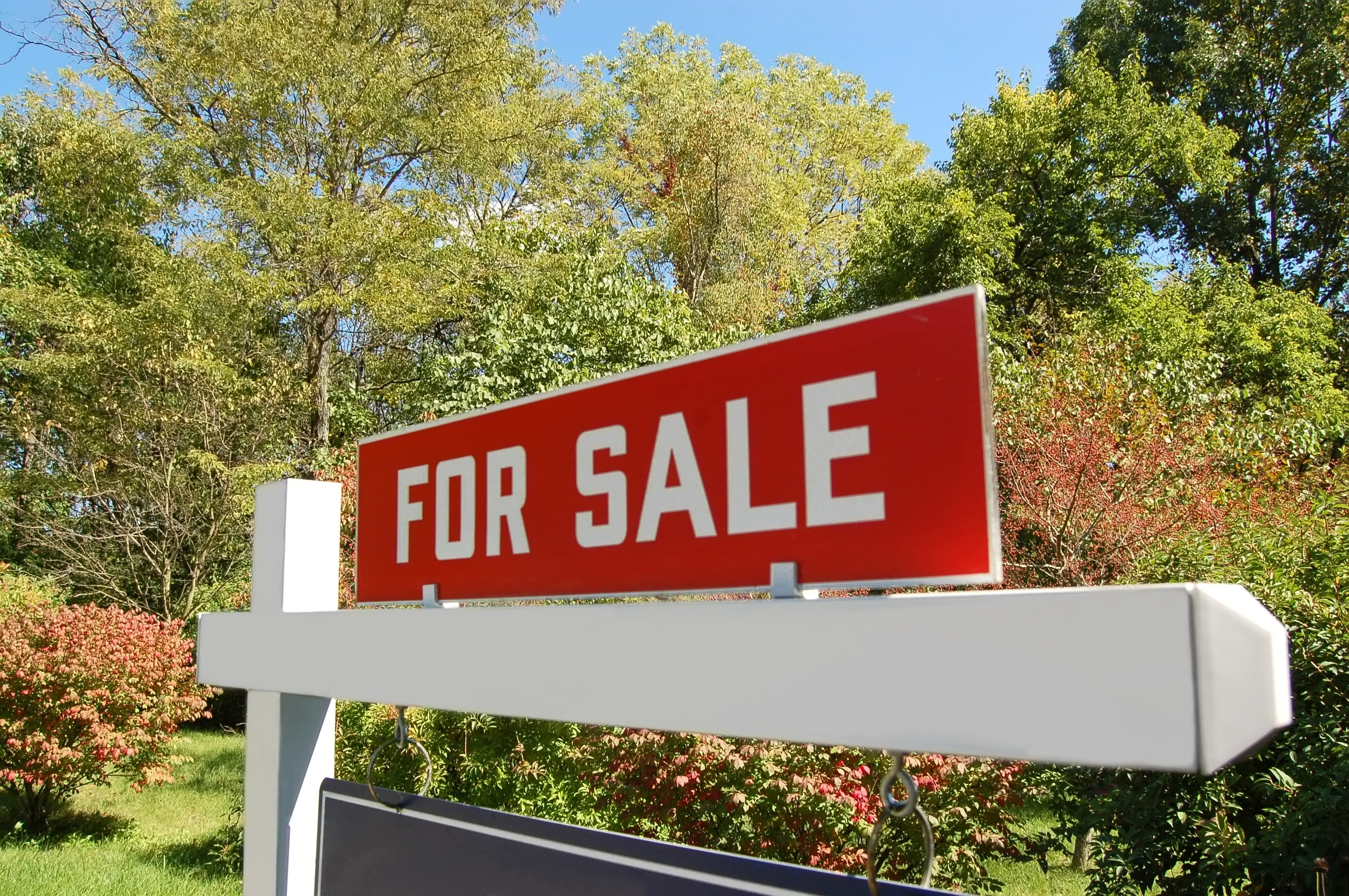 Tips For Listing And Selling The First Home You've Owned